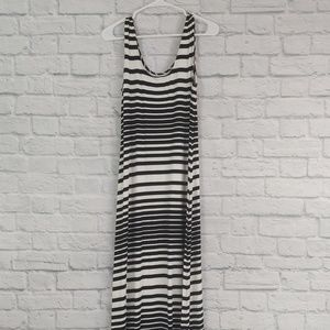 Merona | B&W Striped Sleeveless Maxi Dress